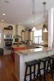 Cozinha decorada elegante imagens de stock royalty free