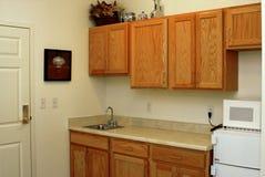 Cozinha do apartamento Imagens de Stock Royalty Free