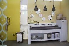 Cozinha do estilo do condado foto de stock