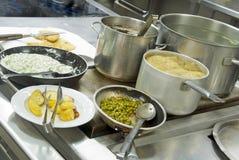 Cozinha do restaurante - detalhe Fotos de Stock Royalty Free