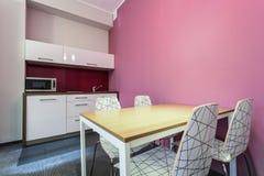 Cozinha e quarto dinning imagens de stock royalty free