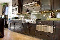 Cozinha elegante moderna Imagens de Stock