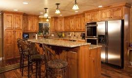 Cozinha feita sob encomenda moderna home nova Fotos de Stock