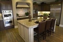 Cozinha home luxuosa Fotografia de Stock Royalty Free
