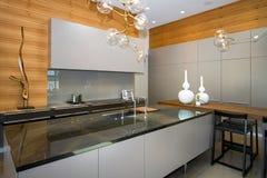 Cozinha home luxuosa fotos de stock royalty free