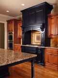 Cozinha interior Home luxuosa modelo Fotografia de Stock Royalty Free