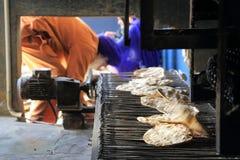 A cozinha livre a maior do mundo de Harmandir Sahib (templo dourado) Imagens de Stock Royalty Free