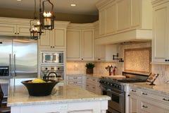 Cozinha luxuosa moderna Fotografia de Stock Royalty Free