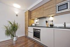 Cozinha moderna bonita Imagem de Stock Royalty Free