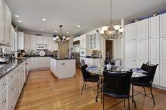 Cozinha moderna com console foto de stock