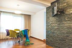Cozinha moderna do interior da casa fotografia de stock royalty free