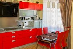 Cozinha moderna na cor vermelha Foto de Stock Royalty Free