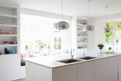 Cozinha na casa moderna Fotografia de Stock