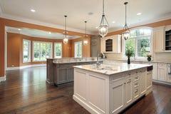 Cozinha na HOME da construção nova imagem de stock