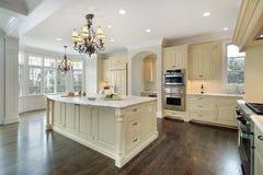 Cozinha na HOME da construção nova Imagem de Stock Royalty Free