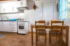 Cozinha Cozinha no apartamento Rua Ligth Imagem de Stock