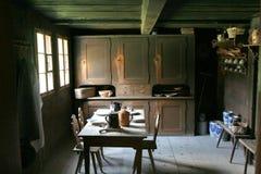 Cozinha no estilo velho Fotos de Stock Royalty Free