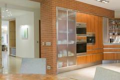 Cozinha no projeto moderno imagem de stock royalty free