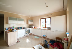 Cozinha nova   Imagem de Stock