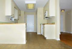 Cozinha pequena Imagens de Stock Royalty Free