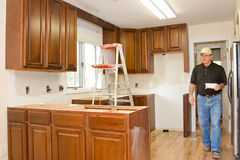 A cozinha remodela a melhoria home dos gabinetes Imagem de Stock Royalty Free