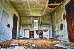Cozinha suja abandonada Fotos de Stock