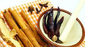 Cozinhando especiarias e ervas Fotos de Stock Royalty Free