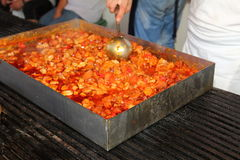 Cozinhando grandes quantidades de alimento Foto de Stock Royalty Free