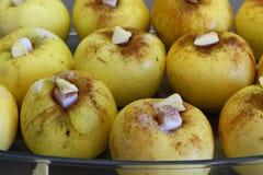 Cozinhando a maçã cozida Imagem de Stock Royalty Free