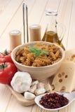 Cozinhando macarronetes Foto de Stock Royalty Free