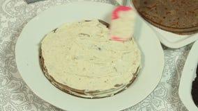 Cozinhando o bolo do crepe de Oreo video estoque