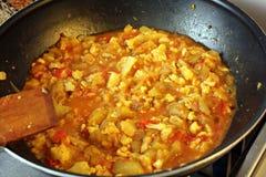 Cozinhando o caril indiano Fotos de Stock Royalty Free