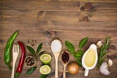 Cozinhando o fundo dos ingredientes com espaço da cópia Imagem de Stock Royalty Free