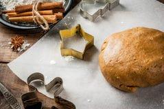 Cozinhando o pão-de-espécie caseiro Imagem de Stock