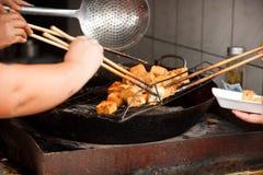 Cozinhando o Tofu Stinky fotografia de stock royalty free