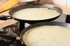 Cozinhando panquecas. Fotografia de Stock Royalty Free