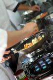 Cozinhando vegetais misturados imagem de stock