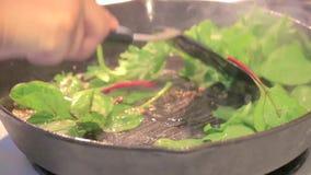 Cozinhando verdes na bandeja filme