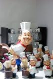 Cozinheiro chefe e assistentes foto de stock royalty free