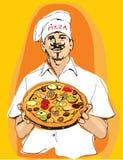 Cozinheiro chefe mestre da pizza que mantém a pizza disponivel com o chapéu do avental e dos cozinheiros Imagem de Stock