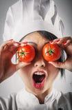 Cozinheiro chefe pateta do divertimento com olhos do tomate foto de stock