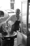 Cozinheiro chefe pela rua Imagem de Stock Royalty Free