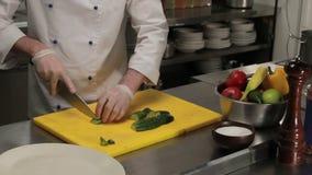 Cozinheiro chefe que curva um pepino, tiro médio filme