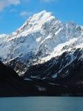 Cozinheiro da montagem do lago hooker em Nova Zelândia fotografia de stock