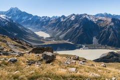 Cozinheiro do Mt com lago hooker e lago Mueller no cozinheiro National Park da montagem, Nova Zelândia fotografia de stock royalty free