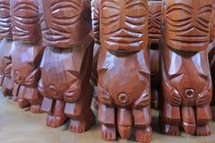 Cozinheiro masculino de Rarotonga da escultura da estatueta do deus de Fishermans do polinésio imagem de stock