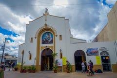 COZUMEL MEKSYK, MARZEC, - 23, 2017: San Miguel kościół foluje turist to robić gubi ich oryginał atractive Obrazy Royalty Free