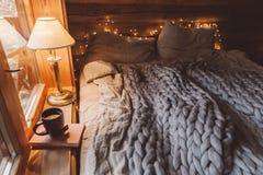 Free Cozy Winter Weekend In Log Cabin Stock Photo - 131676870