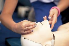 CPR训练细节 库存照片