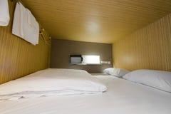 Cápsula no hotel de cápsula Imagem de Stock